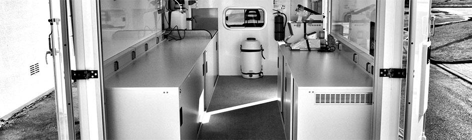 Laborausstattung im Fahrzeuginneren